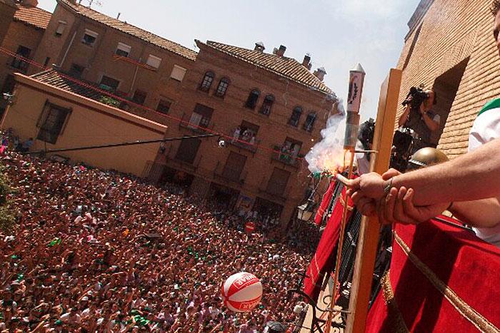 Foto Radio Huesca.com - Lanzamiento del cohete año 2012