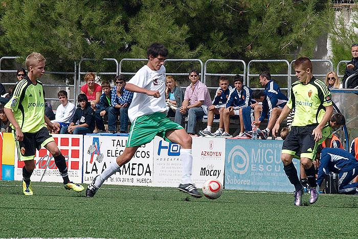En otra acción en el encuentro ante el Real Zaragoza juvenil nacional