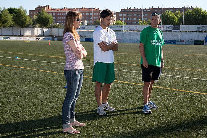 Patricia Melero se dirige a los jugadores en nombre del Club