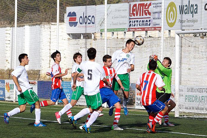 Foto de archivo del División Honor Cadete contra la U.D. Barbastro del 15/12/2012