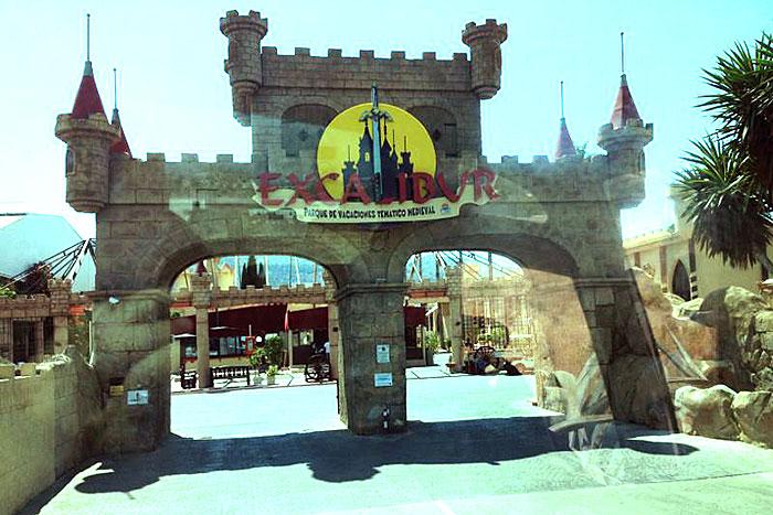 Portal del camping Excalibur dónde se hospeda la expedición