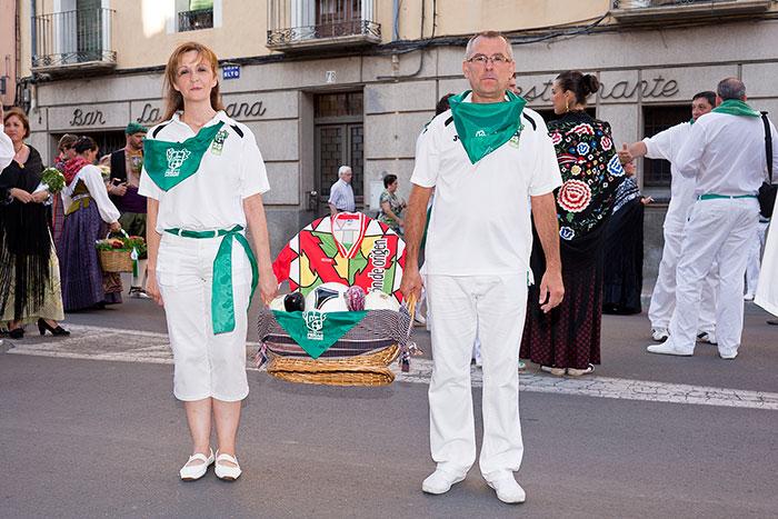 Patricia y Javier portaron la cesta de la ofrenda
