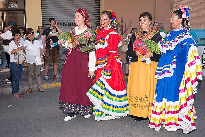 Muestra de trajes regionales