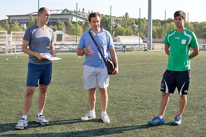El presidente Ignacio Palacio se dirige a los jugadores.